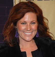 Learn more about Elisa Donovan